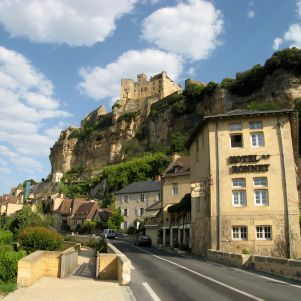 Entrance to Beynac coming from Sarlat