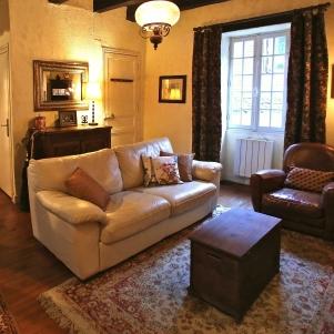 Beynac-et-Cazenac France Vacation Rental Interior La Petite Maison