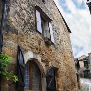 Beynac-et-Cazenac France Vacation Rental La Petite Maison Exterior